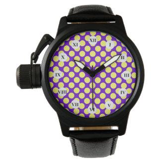Gul polka dots med purpurfärgad bakgrund armbandsur