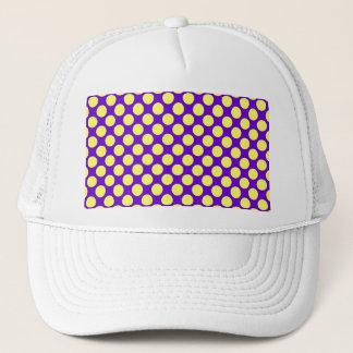 Gul polka dots med purpurfärgad bakgrund STaylor Keps