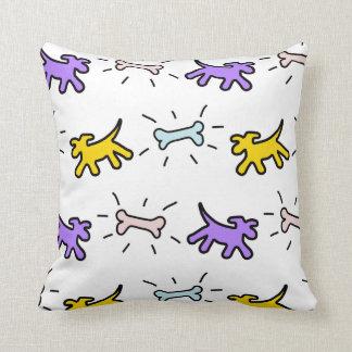 Gul purpurfärgad stil för hundbengrafitti kudder kudde