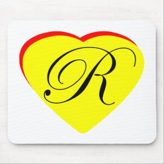 Gul röd R bröllopinbjudan för hjärta MUSEET Z Mus Matta