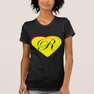 Gul röd R bröllopinbjudan för hjärta MUSEET Z Tee Shirt