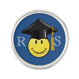 Gul Smiley för klassiker med en studentmössa Rockslagsnål