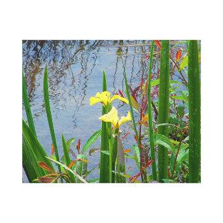 Gula blommor- och reflexionskanvastryck canvastryck