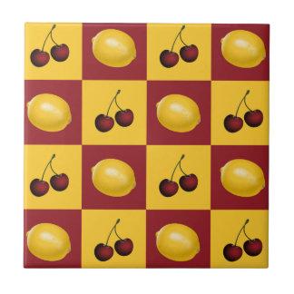 Gula körsbär & citroner - som är röda och kakelplatta