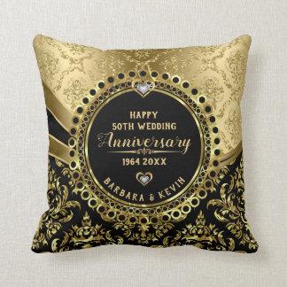 Guld för bröllopsdag för lycklig 50th svart & kudde
