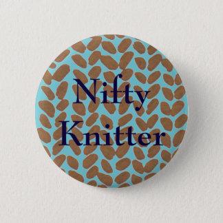 Guld- handarbeteemblem för Nifty Knitter Standard Knapp Rund 5.7 Cm