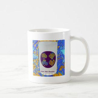 Guld- mästareexponeringsglas för poker kaffemugg