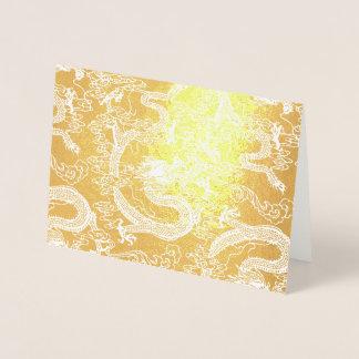 Guld omkullkastar det kinesiska drakemönster folierat kort