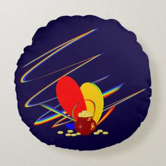 Guld- regnbåge för pengarang-magi rund kudde