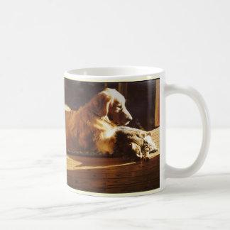 Guld- retriever- och kattmammamugg kaffemugg