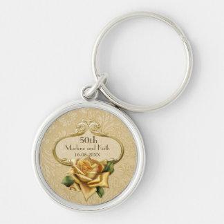 Guld- rosa bröllop A för damast 50th Rund Silverfärgad Nyckelring