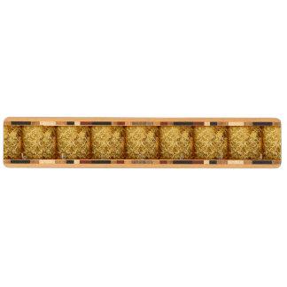 Guld som är lantligt, vintage, antikvitet, damast, nyckelhängare