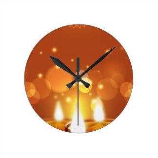 Guld- stearinljus för Diwali firande Rund Klocka