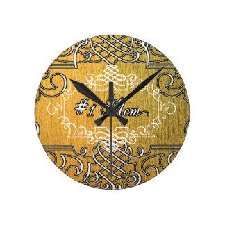 guld- typografimors dag för mamma #1 rund klocka
