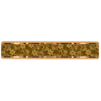 Guld- vintageblommönster nyckelhängare