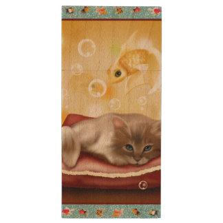 Guldfiskramen med den fluffiga sömniga kattungen trä USB-minne