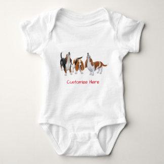 Gullig baby för Bassethundhundar ett biet Tee