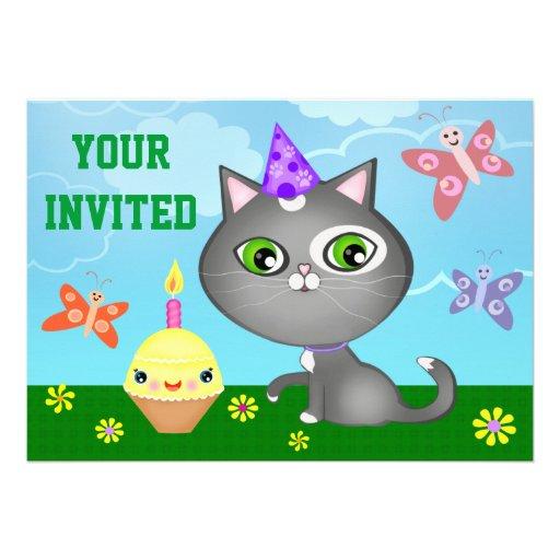 Gullig beställnings- kattungebarnfödelsedagsfest anpassade inbjudan