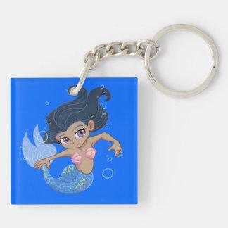 Gullig blåttsjöjungfru (mörkt hår, mörk flår),