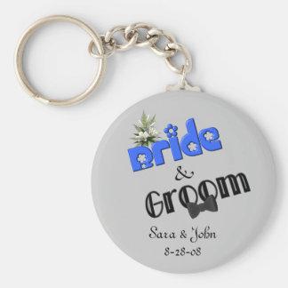 Gullig brud och brudgum som gifta sig Keychain Nyckelringar