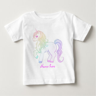 Gullig färgad unicornponny för kawaii regnbåge t-shirts
