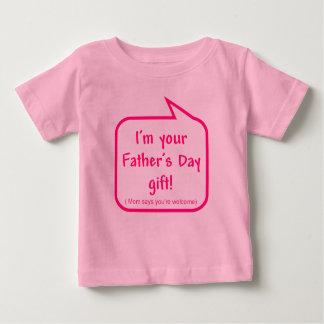 Gullig fars dagskjorta för att bebiset ska ha på t-shirt