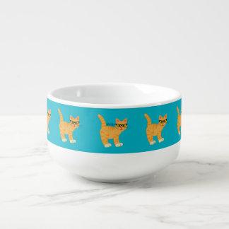 Gullig flickaktigt Geeky katt med Soppmugg