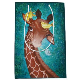 Gullig giraff med fåglar
