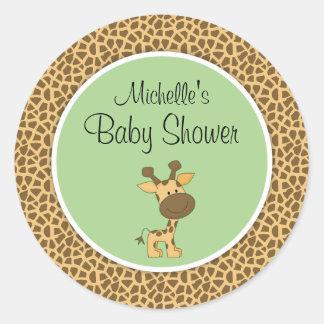 Gullig grön baby shower för giraffgenderneutralt runt klistermärke