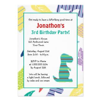 Gullig inbjudan för party för Dinosaurtemabarns fö