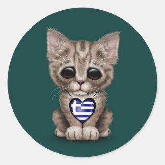 Gullig kattungekatt med grekisk flaggahjärta, runda klistermärken