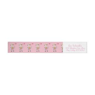 Gullig ko och rosa valentin för hjärtor dag etikettband