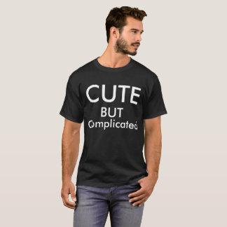 Gullig men försvåra-text t-skjorta, dräkt t-shirts