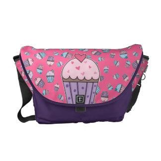 Gullig muffins (blått/rosor/lilor) kurir väska