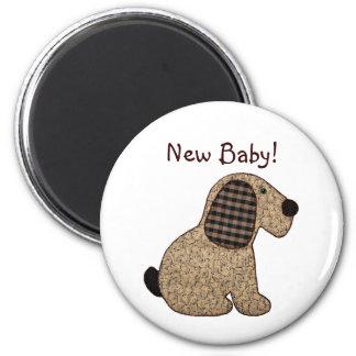 Gullig nyfödd bebis för hund för landstilGingham Magnet