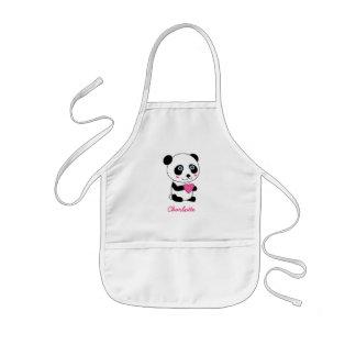 Gullig Panda med en rosa hjärtapersonlig Barnförkläde