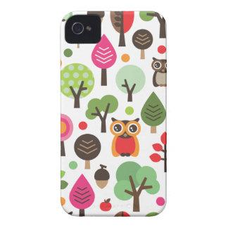 Gullig retro uggla och trädmönsterblackberry iPhone 4 skal