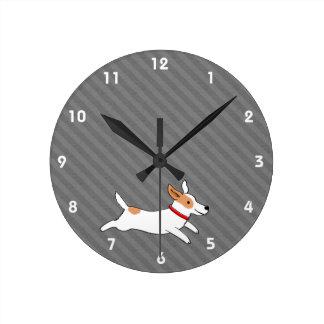 Gullig rinnande tecknad hund för jackRussell Terri Medium Rund Klocka