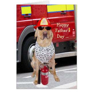 Gullig/rolig hund fars dag för brandman hälsningskort