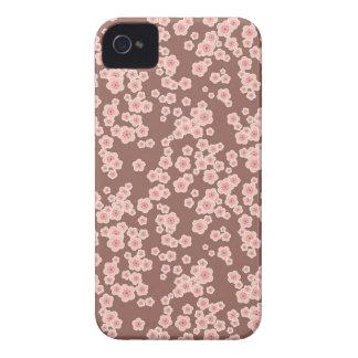 Gullig rosa körsbärsröd blommarmönsterblackberry iPhone 4 skal