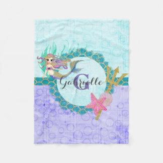 Gullig sjöjungfruvattenfärgkricka & lilaMonogram Fleecefilt