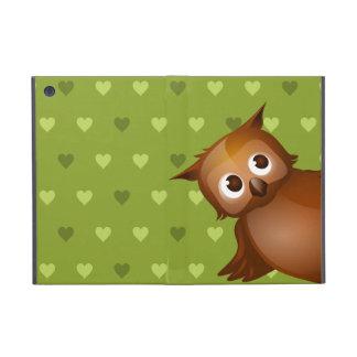 Gullig uggla på grön hjärtamönsterbakgrund iPad mini cases