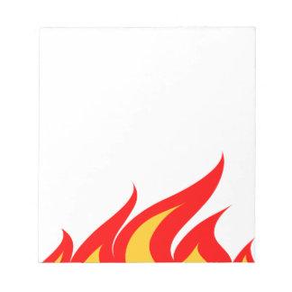 Gulliga anteckningsbokar med avfyrar flammar anteckningsblock