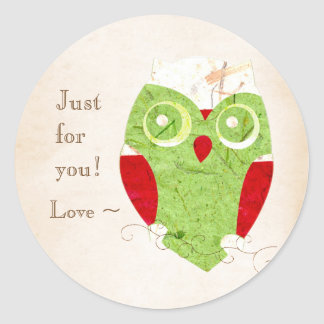 Gulliga den röda ugglavintern och julen görar grön runt klistermärke