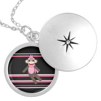 Gulliga rosa randar för hatt för sock silverpläterat halsband