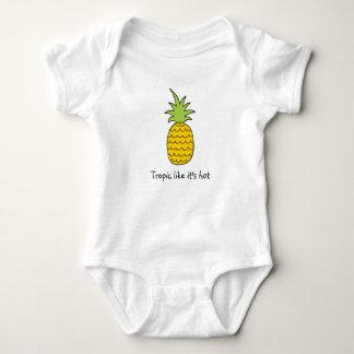 Gulligt bekläda för baby t-shirt