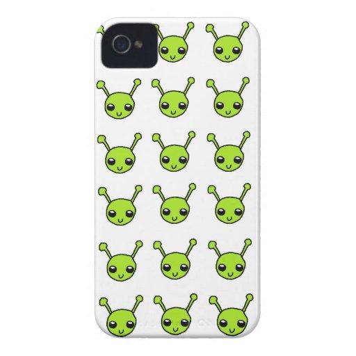 Gulligt grönt utomjordingarblackberry boldfodral iPhone 4 Case-Mate cases