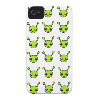 Gulligt grönt utomjordingarblackberry boldfodral iPhone 4 cover