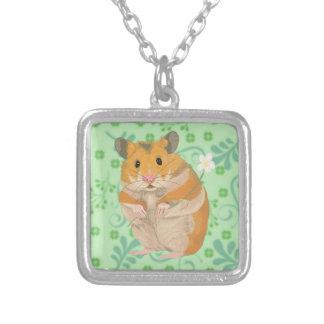 Gulligt lite Hamsterinnehav en blomma Silverpläterat Halsband