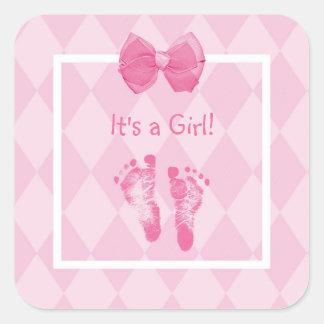 Gulligt meddelande för flickafotspårfödelse fyrkantigt klistermärke